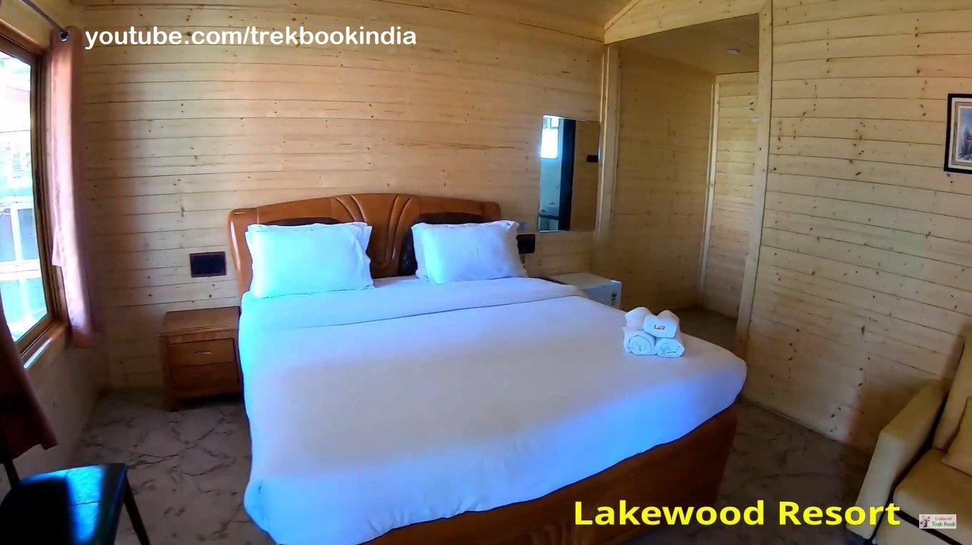 Lakewood Resorts & Spa Tapola Mahabaleshwar room wooden interior
